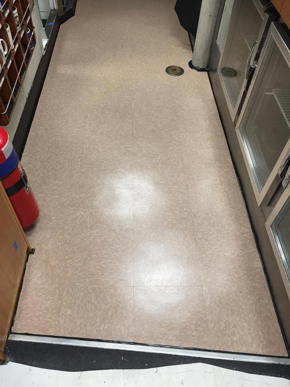 Non slip rubber tiles matting vinyl tiles favcote tile photo m2701 after 7 dailygadgetfo Gallery